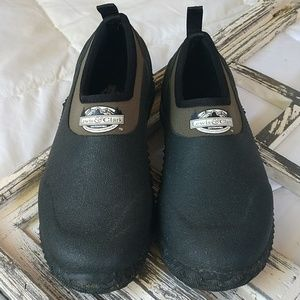 Lewis & Clark waterproof shoes. Size 6